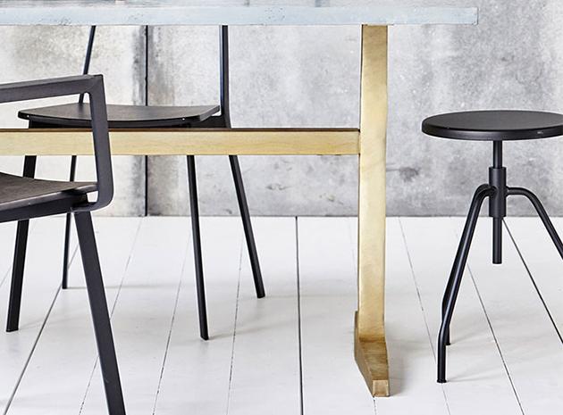 housedoctor hocker scarpa die pampi. Black Bedroom Furniture Sets. Home Design Ideas