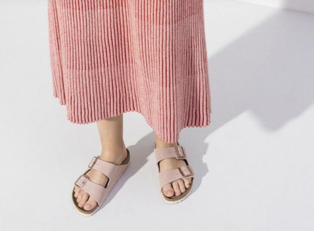 Schuhe und Sandalen