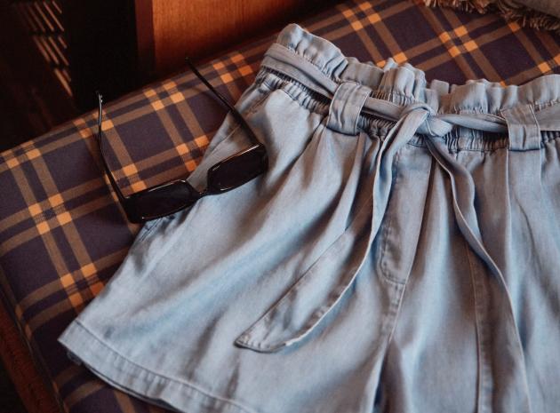 Jeans, Hosen, Röcke